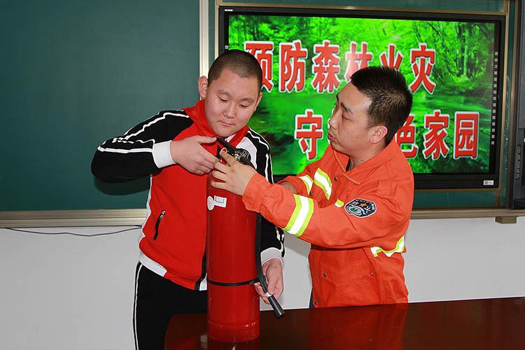 临江葡京手机电子游戏开展防火安全知识进校园活动